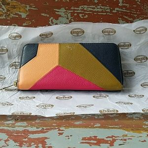 NWT Fossil Vday Zip Clutch