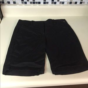 Ann Taylor boardwalk short size 8 black