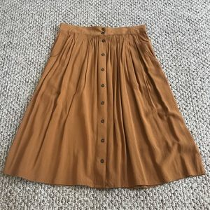 Forever 21 Contemporary midi skirt -with pockets!