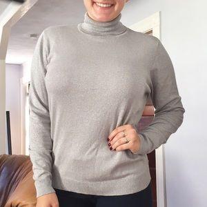 EUC Worthington gray shimmery turtleneck sweater