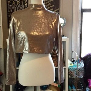 MISSGUIDED FAUX SUADE SILVER EXPOSED BACK CROPTOP