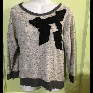 GAP - Gray Sweater/Sweatshirt w/ Black Bow