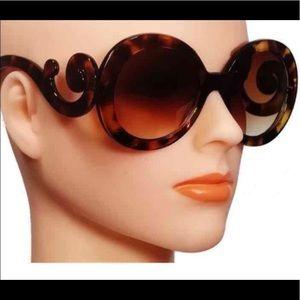 Oversized Baroque Style Fashion Sunglasses
