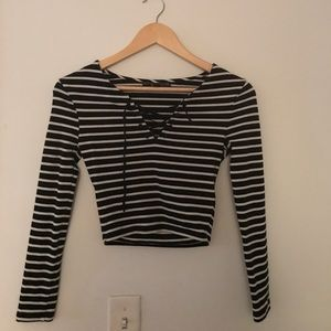 Cropped long sleeve stripped shirt