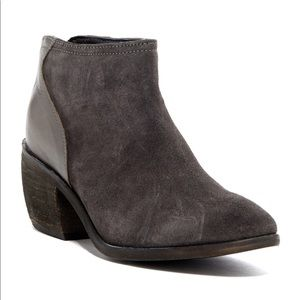 Charles by Charles David Suede/leather bootie Sz 7
