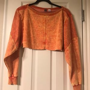 Long sleeve cropped sweatshirt