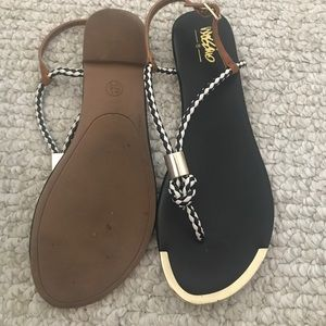 LIKE NEW Mossimo sandals
