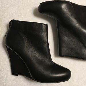 Report Black Bowie Wedge Ankle Boots sz 7