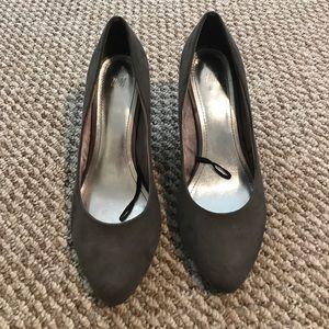 Suede gray heels