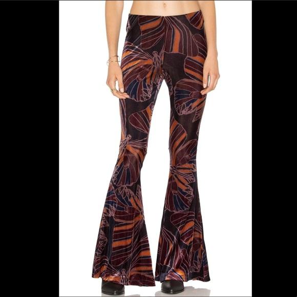 8bc12e8674414 Free People Pants   Stretch Velvet Printed Pull On Flare S   Poshmark