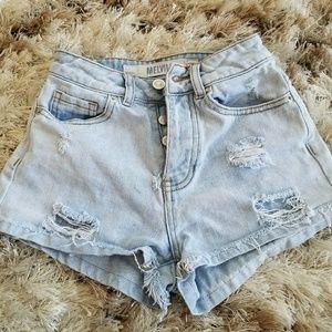 Hi-waisted shorts