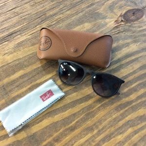 Ray-Ban sunglasses with case Erika style