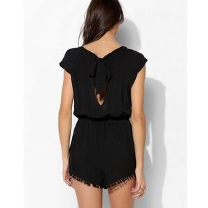 Urban Outfitters pom pom romper Size Small