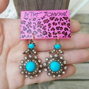 Dangling daisy flower boho earrings Betsey Johnson
