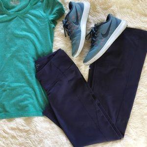 nwot // athleta • plum yoga pant leggings