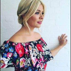 Zara On-or-Off Shoulder Top