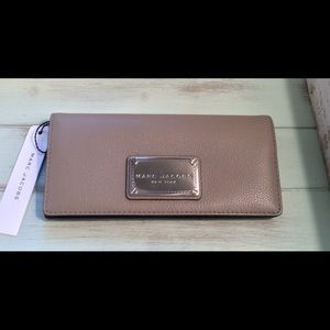 NWT Marc Jacobs Classic Open Face Bifold Wallet