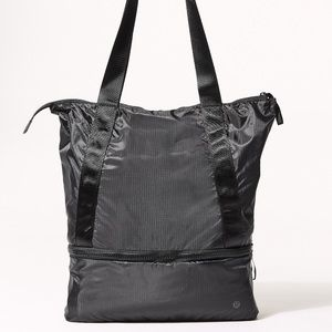 lululemon Go Lightly Tote Packable