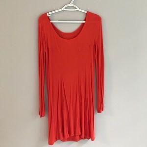 Long sleeve form fitting dress