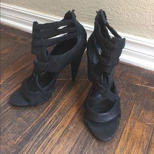 "EUC Elizabeth and James 9B ""Maddy"" cage heels"
