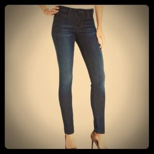 "Joe's Jeans ""curvy skinny"" 25x31.5"