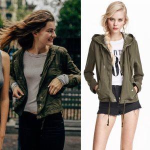 LIKE NEW Sz 6 Green utility Parka Lyocell jacket