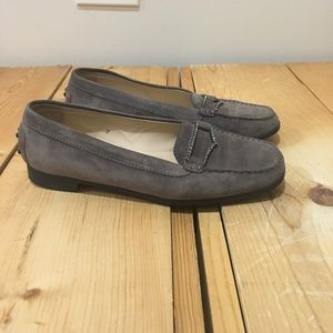 Taupe Tods loafers 7