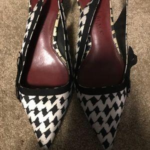 White House Black Market kitten heels