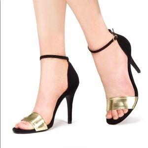 JustFab Carilo Heeled Sandals in Black/ Gold - 6.5