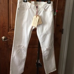 Current/Elliott NWT distressed white jeans