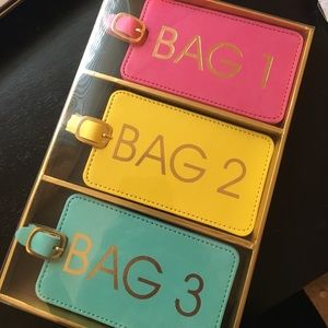 Accessories - Luggage tags