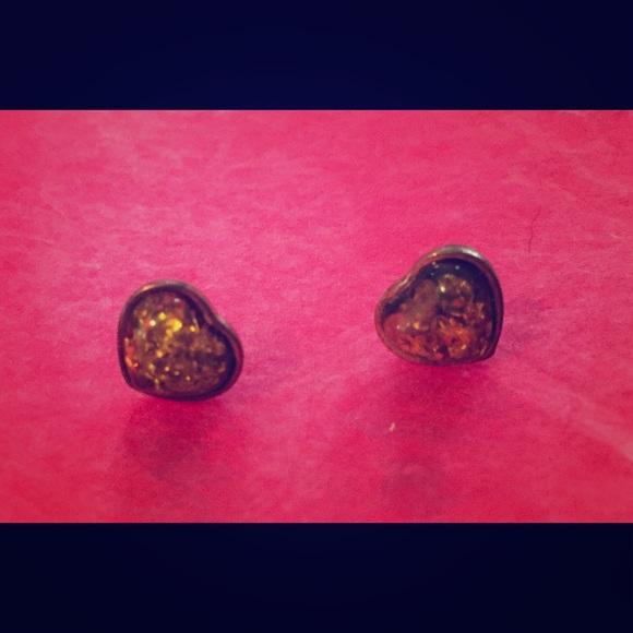 Jewelry - Amber Heart shaped earrings