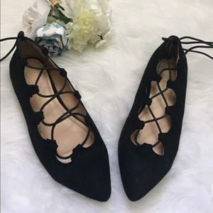 Shoes - Women's pointy Toe lace up Flats