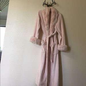 Other - Faux fur robe
