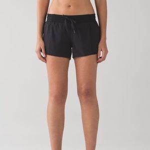 """2.5"""" Black Lululemon Hotty Hot Shorts"""