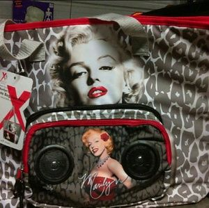 Marylin monroe bag with speaker's