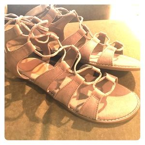 Old navy lace up sandals size 8. NEW without tags