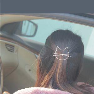 Accessories - Cat Hair Clip in Gold