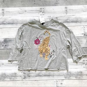 NWT H&M cropped tiger embroidered tee