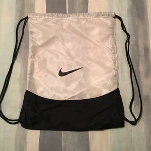 Nike cinch bag backpack
