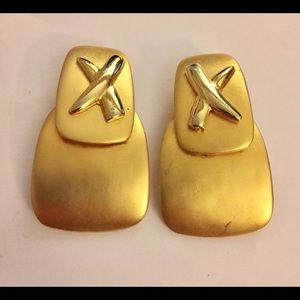 Vintage gold cris cross earrings clip on