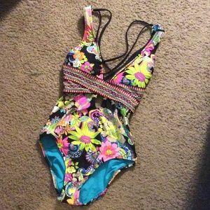 Trina Turk psychedelic one piece swim suit 6 ☀️👙