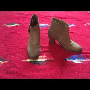 Urban Outfitters Size 6 Ankle Boots