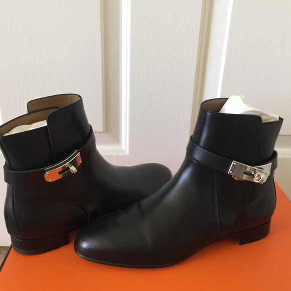 timeless design da0a4 498df Hermès Neo Kelly Black Boots NWT