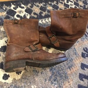Frye short Veronica boots