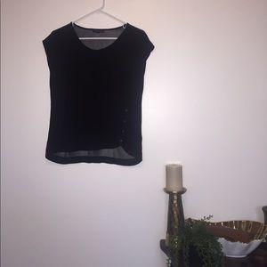 Elegant black t shirt