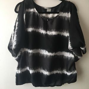 Open Sleeve Black and White Blouse