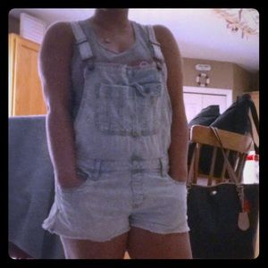 Light wash Abercrombie Jean overalls