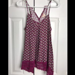 Maroon mandala design tank top with lace detail M