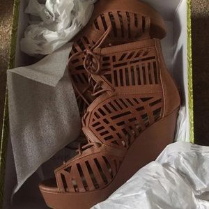 New Gianni bini brown wedge sandals